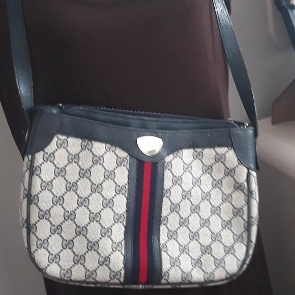 a6b68a94d Gucci Bags   Vintage Crossbody   Poshmark